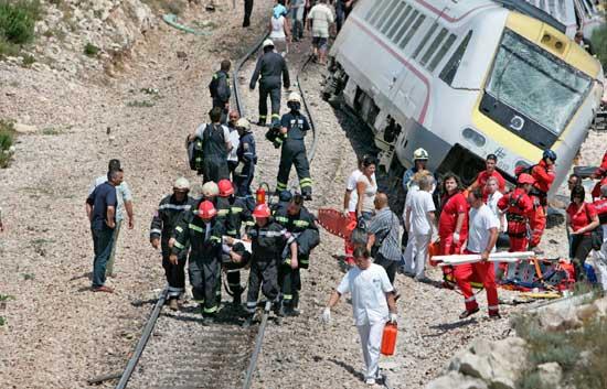 Un tren descarrila en Croacia y deja 6 muertos y un accidente de autobús en Rusia deja 25 muertos