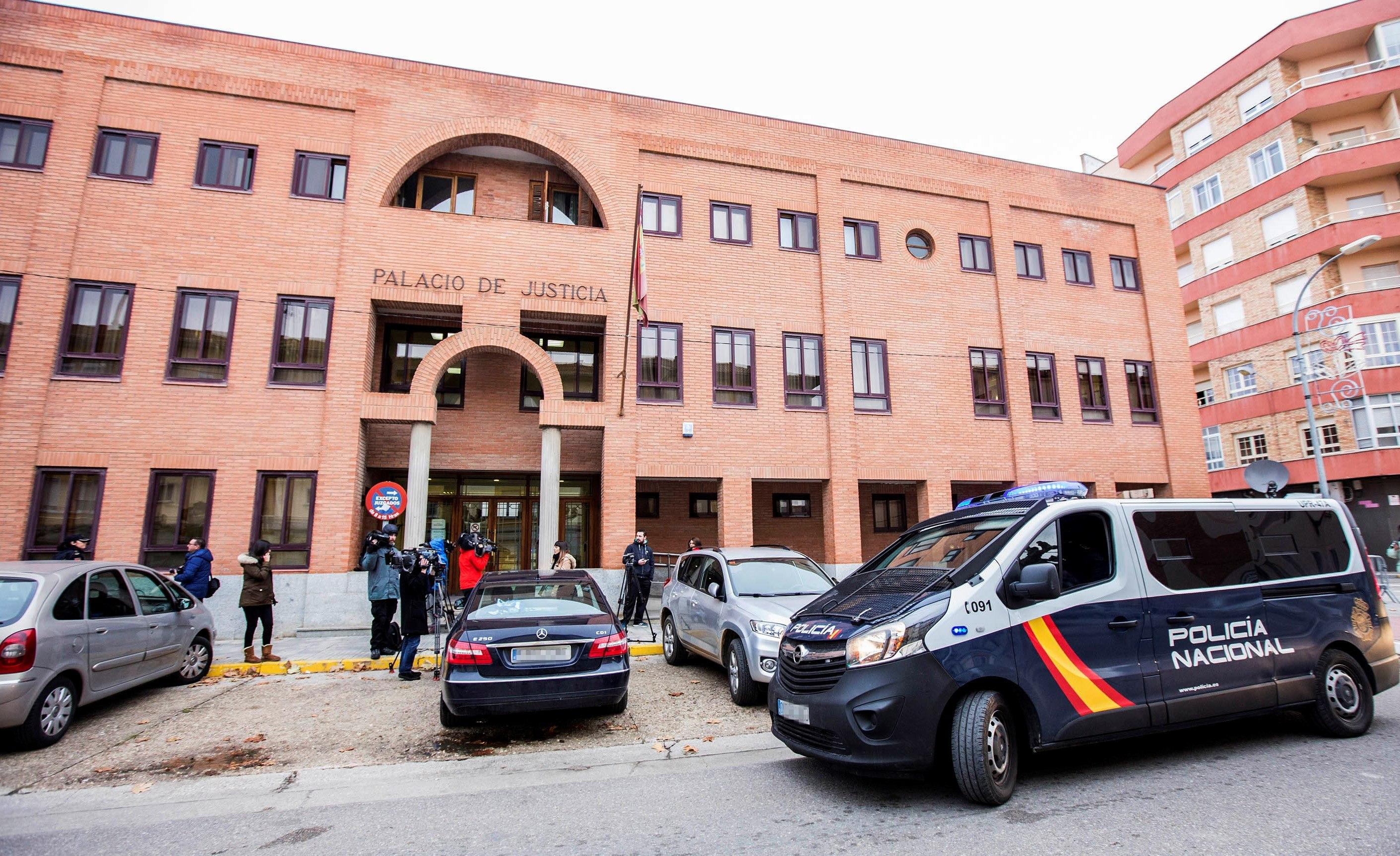 Los tres acusados de agresión sexual a una chica de 15 años declaran que fueron relaciones consentidas