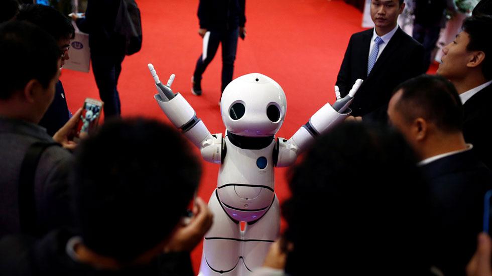 Los últimos modelos de robots se dan cita en Pekín