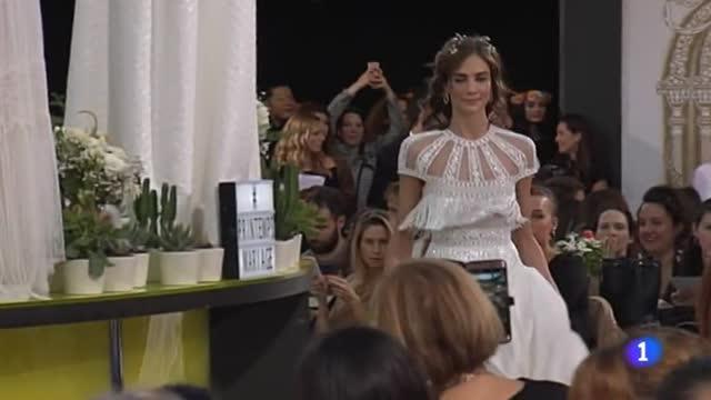 Unos grandes almacenes de París han elegido cinco modelos de Isabel Zapardiez para su gran desfile de temporada