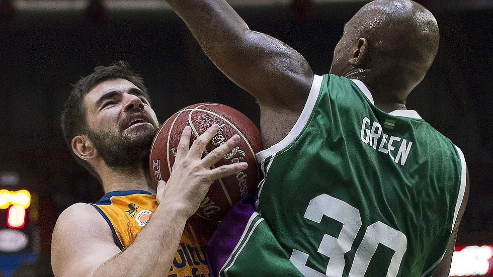 Valencia Basket 64 - Unicaja 75