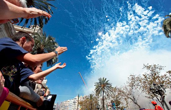 Valencia ya respira aire de Fallas