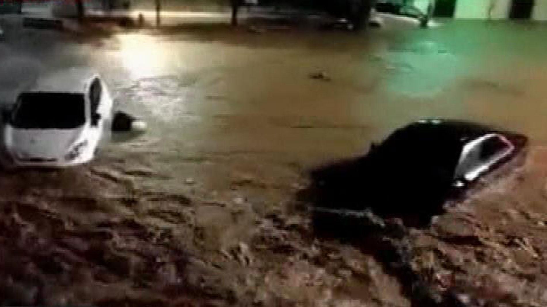 Los vecinos de la localidad mallorquina de Sant Llorenç quedan incomunicados tras el desbordamiento de un torrente