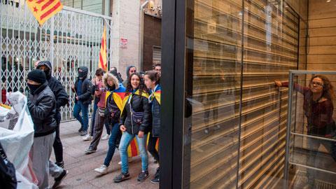 Las ventas del pequeño y mediano comercio cayeron en Cataluña hasta un 30% en octubre