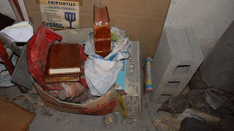 Vídeo en el que se ve a la Polícia descubrir el Códice Calixtino