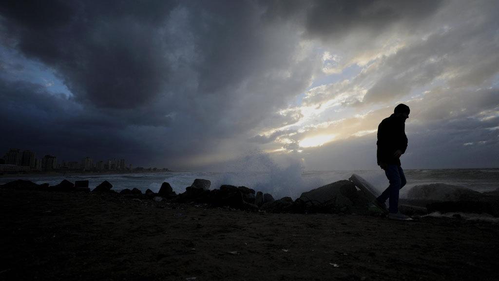 Vientos muy fuertes, mal estado de la mar y lluvias persistentes