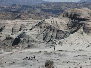 Ver vídeo 'Vista área de la excavación de Ischigualasto donde ha aparecido el Eodromaeus'