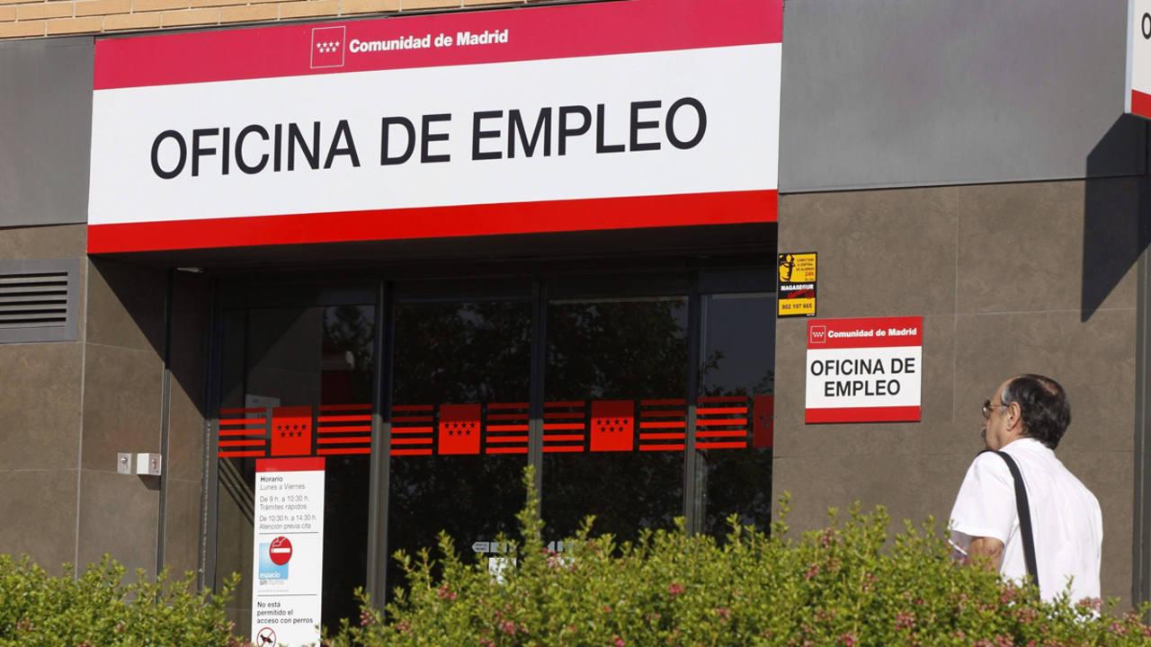 El paro registrado sube en desempleados en agosto for Oficina de paro madrid