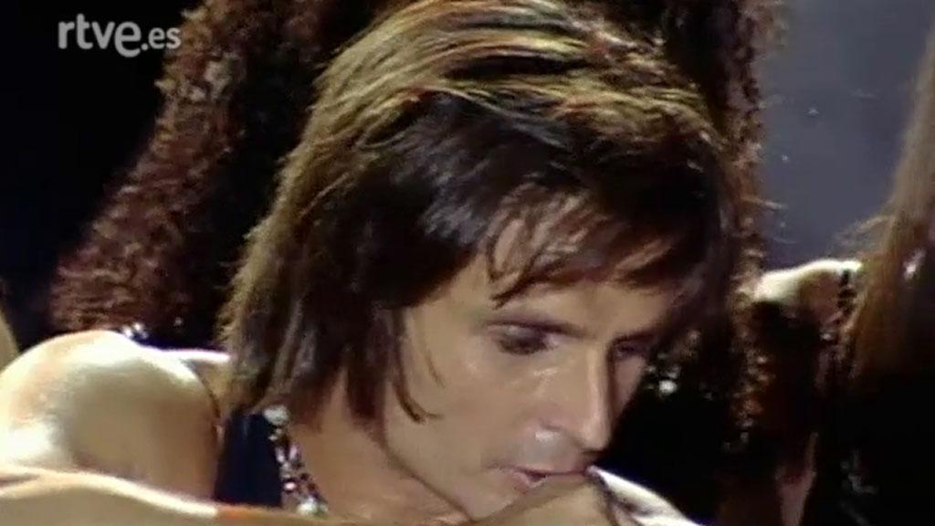 """Nacho Cano canta """"Vivimos siempre juntos"""" en el concierto de homenaje a Miguel Ángel Blanco (1997)"""