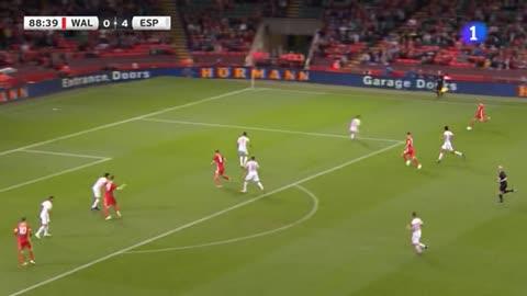 Vokes hace el gol del honor de Gales (1-4)