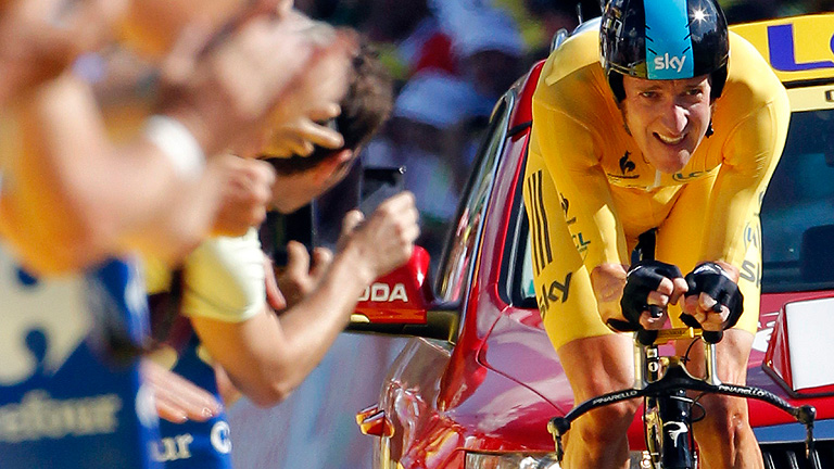 Wiggins gana la crono y se afianza como líder