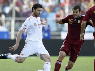 Ver vídeo  'Xabi Alonso marca el tercero (0-3)'