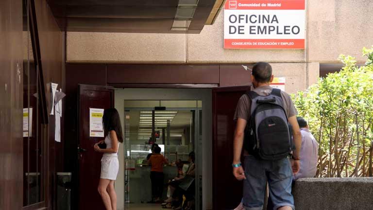 Los afectados por el retraso de los 400 euros empiezan a cobrar, según el Ministerio de Empleo