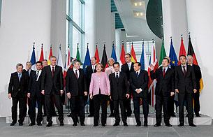 Ver vídeo  'Zapatero critica el proteccionismo financiero'