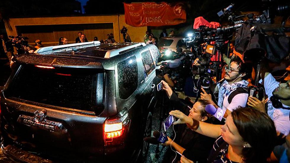 Zapatero se reúne con Leopoldo López en su casa de Caracas