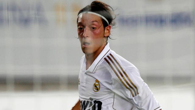 Özil adelanta al Madrid (1-0)