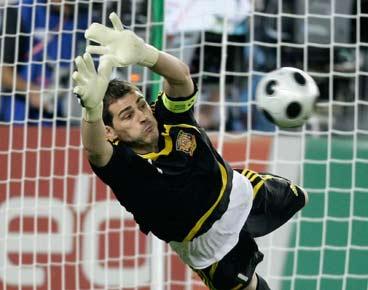 Casillas mete a la selección en semifinales