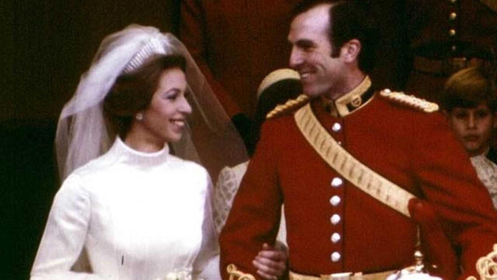 La princesa Ana se casa con Mark Phillips - RTVE.es