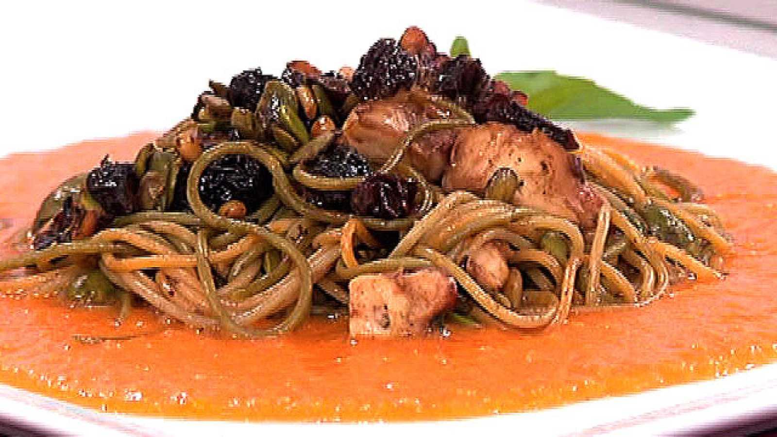 Saber cocinar pasta con salsa de zanahoria y pi ones - 100 maneras de cocinar pasta ...