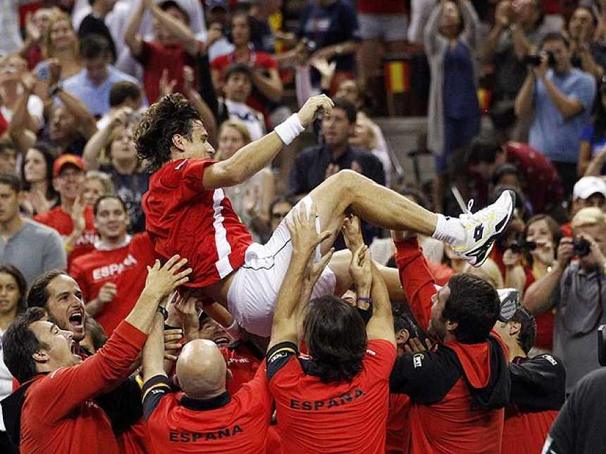 """Ferrer clasifica a España para semifinales de la Davis en un partido """"dramático"""""""