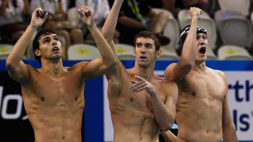 Cuarto oro de Lochte, segundo de Phelps