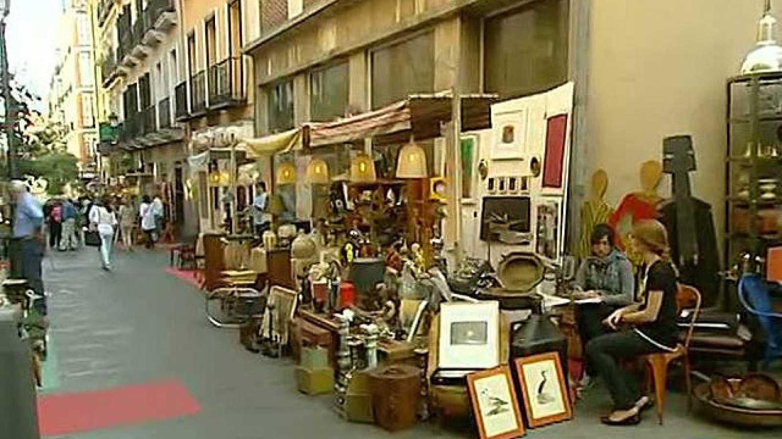 Un Mercadillo De Antig Edades Se Instala En El Barrio De Las  ~ Mercadillos En Barcelona Y Alrededores