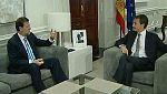 Rajoy y Zapatero comienzan el traspaso de poderes con una reunión en La Moncloa