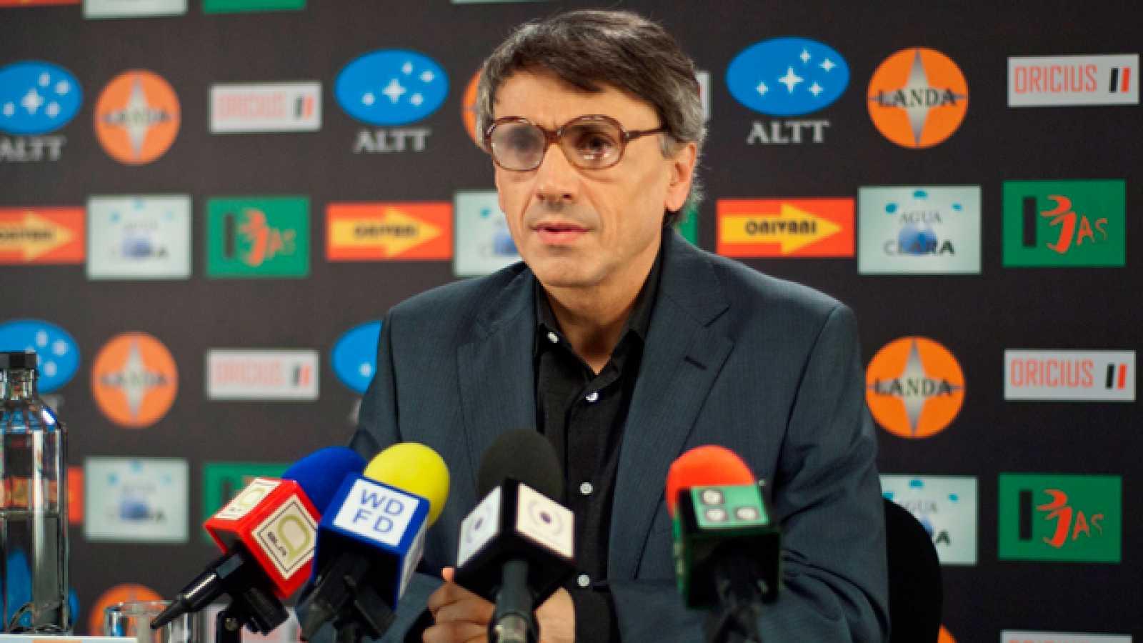 La hora de José Mota - El entrenador ante la prensa - RTVE.es