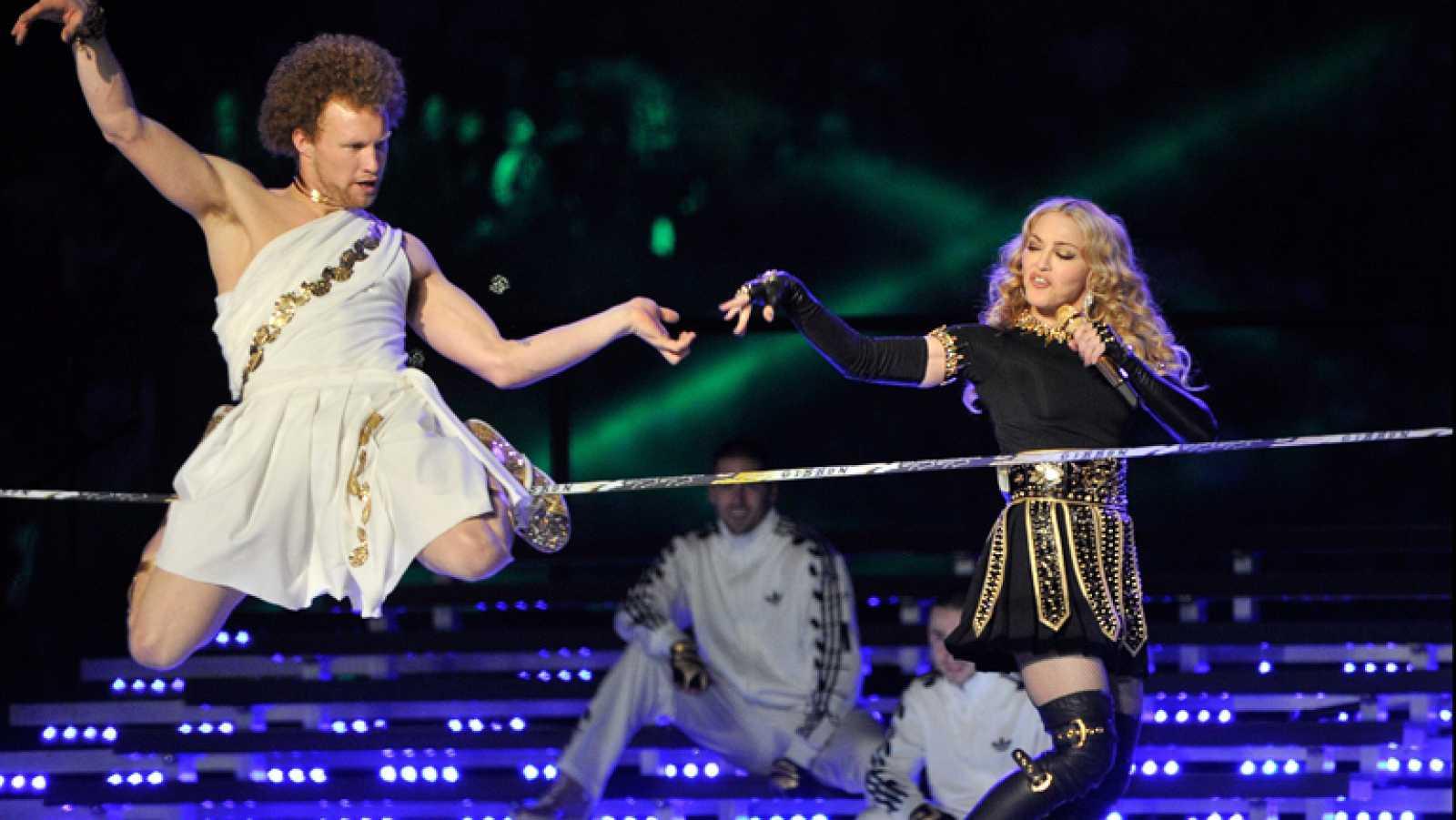 La espectacular actuación de Madonna en la final de la Super Bowl ...