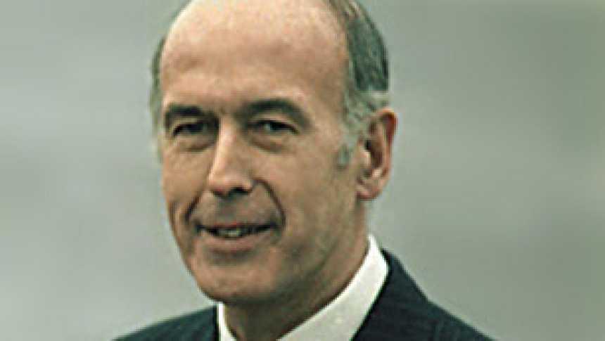 Giscard frustra el sueño de Mitterrand y gana en 1974