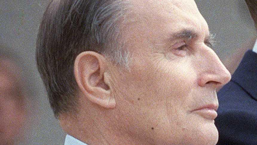 Mitterrand logra la reelección en Francia y vence a Chirac