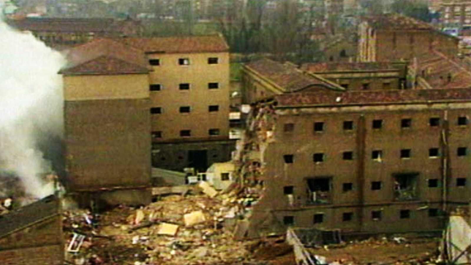 Resultado de imagen de ATENTADO casa cuartel de Zaragoza, 1987