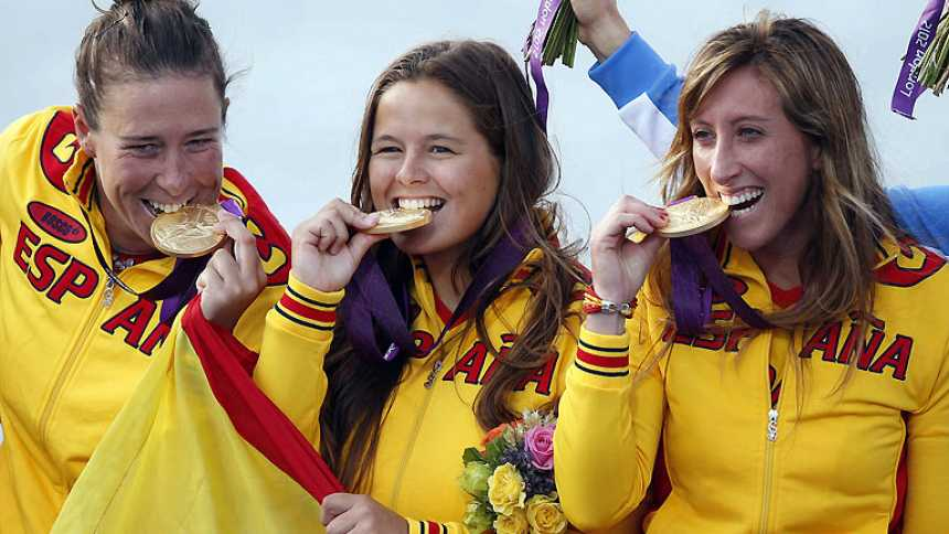 La vela suma la tercera medalla de oro para España