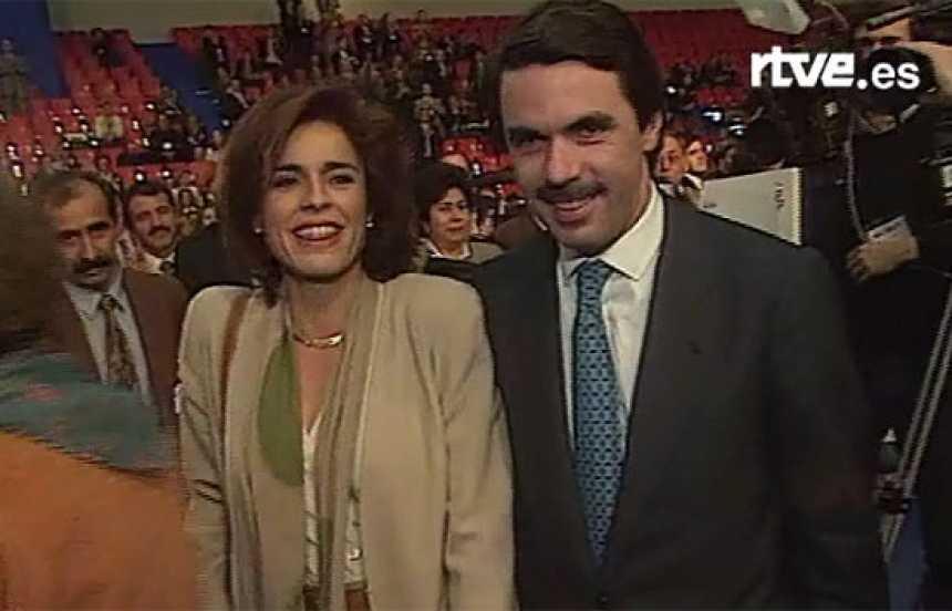Aznar hace campaña en el Congreso del PP (1996)