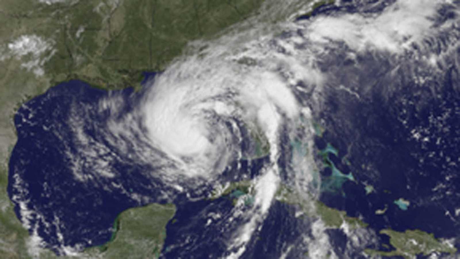 Isaac Deja Florida Y Podria Convertirse En Huracan En Nueva Orleans