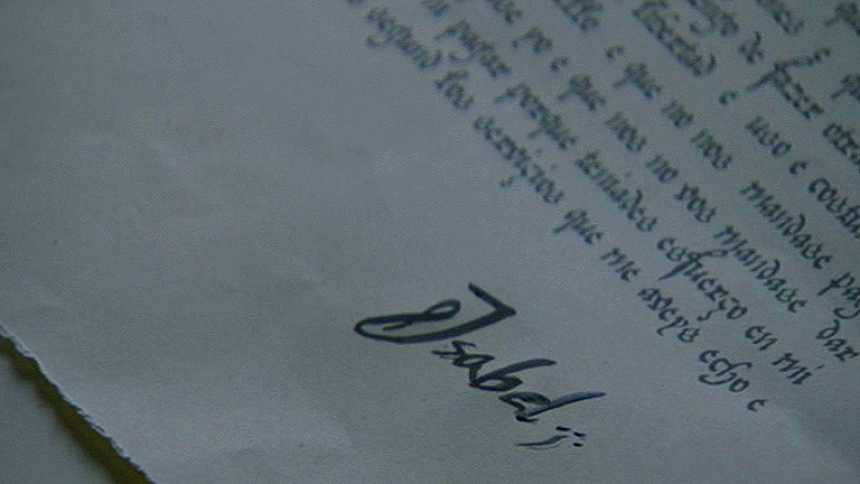 Isabel - Isabel firma como reina
