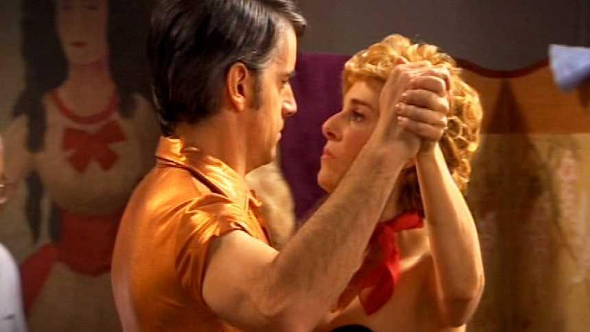 Stamos okupa2 - El tango de Carlos y Lola
