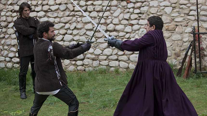Isabel - Fernando choca con Carrillo
