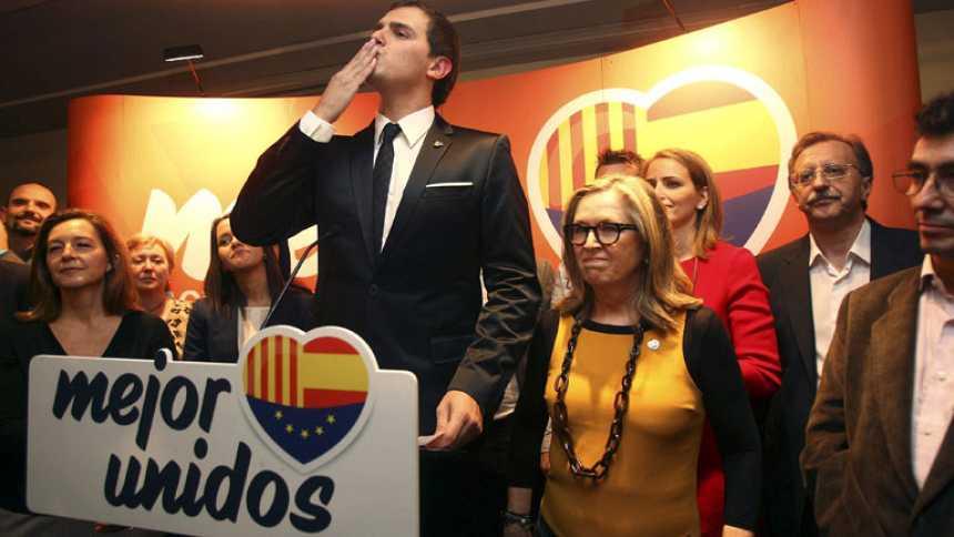 Rivera exige a Artur Mas que dimita o presentará una moción de censura