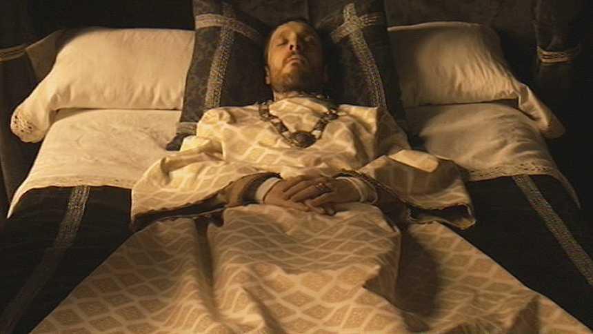 Isabel - ¡El rey ha muerto!