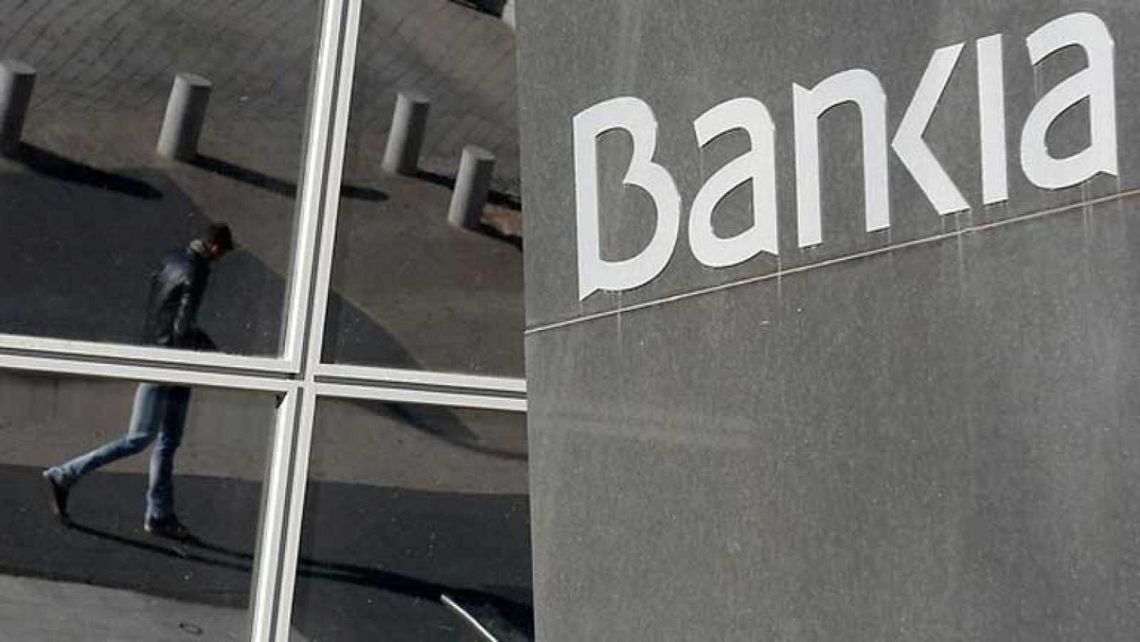 Bankia reducirá su plantilla en 6.000 personas y cerrará 1.100 ...
