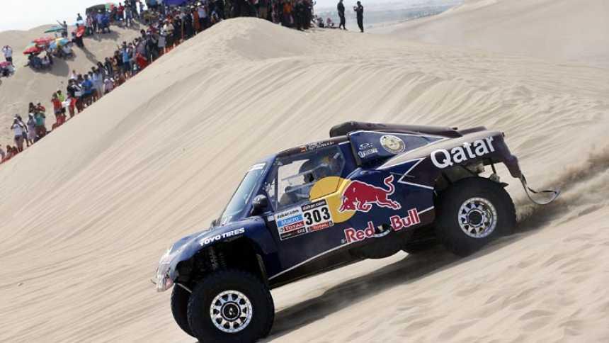 Carlos Sainz empieza valiente y con victoria en el Dakar