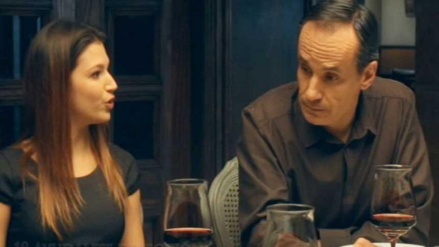 Gran Reserva - Julia, muy dura en la cena con los Cortázar