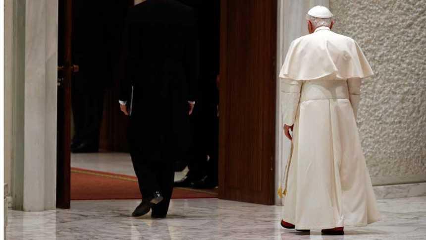 El papa ha tenido que hacer frente a asuntos delicados en estos ocho años