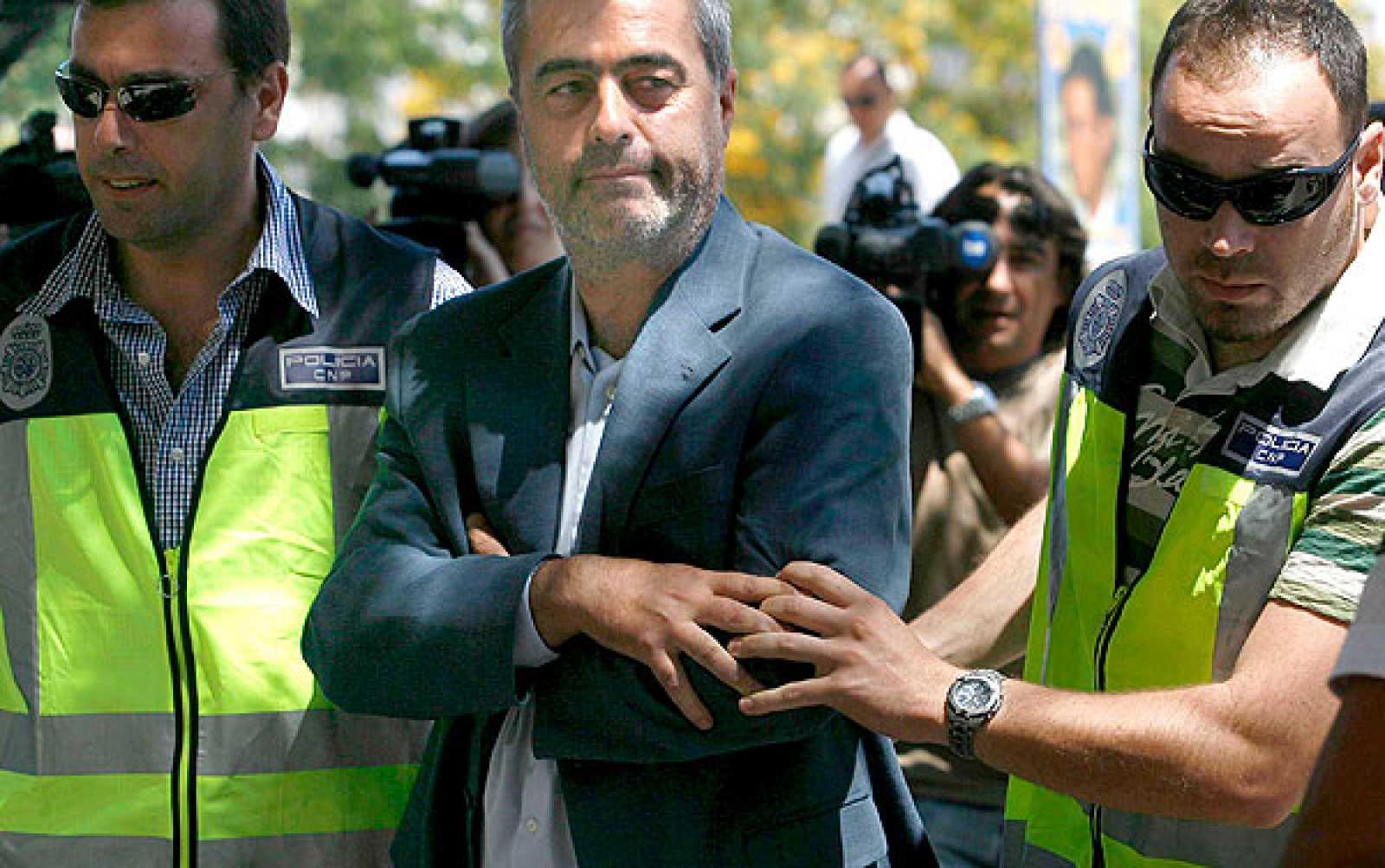 La juez dicta orden de prisión sin fianza para el alcalde de Estepona