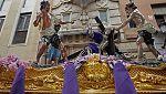 La lluvia afecta a numerosas procesiones este Viernes Santo