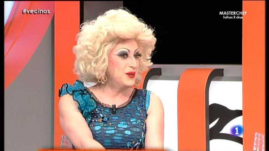 Tenemos que hablar - Dolly, una vecina drag queen