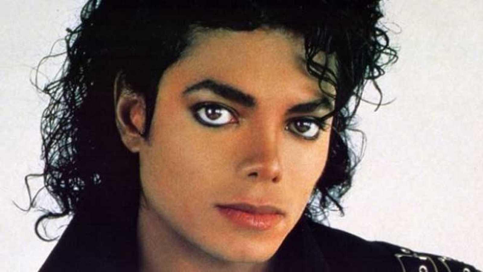 Michael Bush, diseñador del vestuario de Michael Jackson, reúne en ...