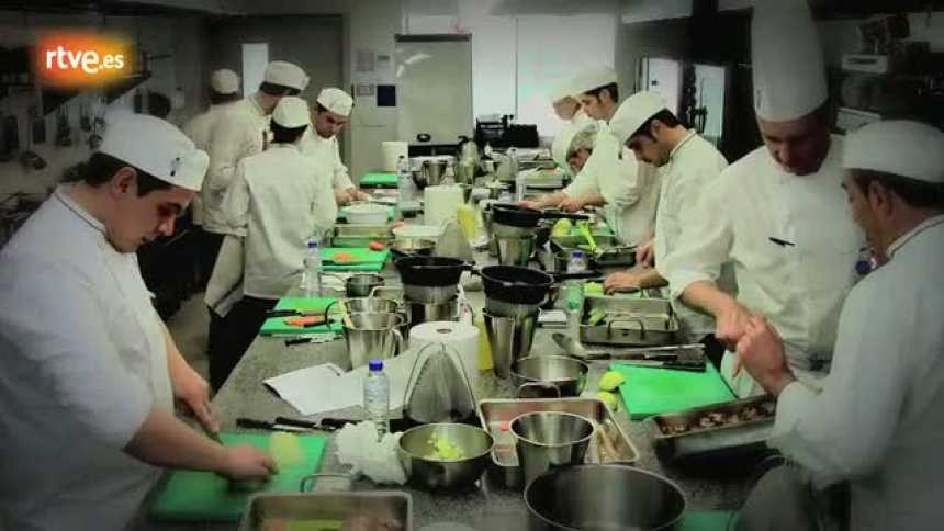 MasterChef - Los aspirantes reciben una clase de fondos en Le Cordon Bleu Madrid