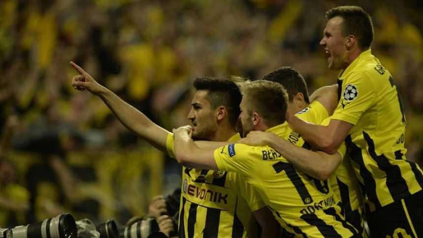 Gündogan empata de penalti para el Borussia (1-1)
